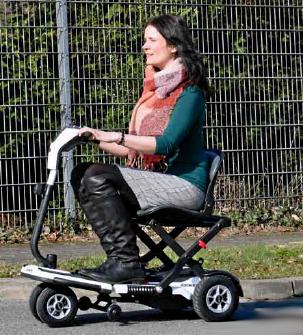 Sanitätshaus Lappe - Lünepost testet neues Reise-Elektromobil